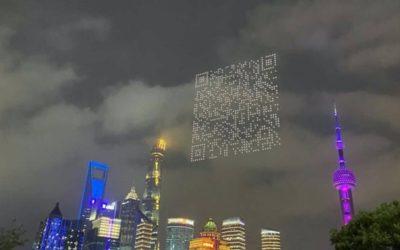 Werbung der Zukunft: 1.500 Drohnen zeichnen gigantischen QR-Code in den Nachthimmel